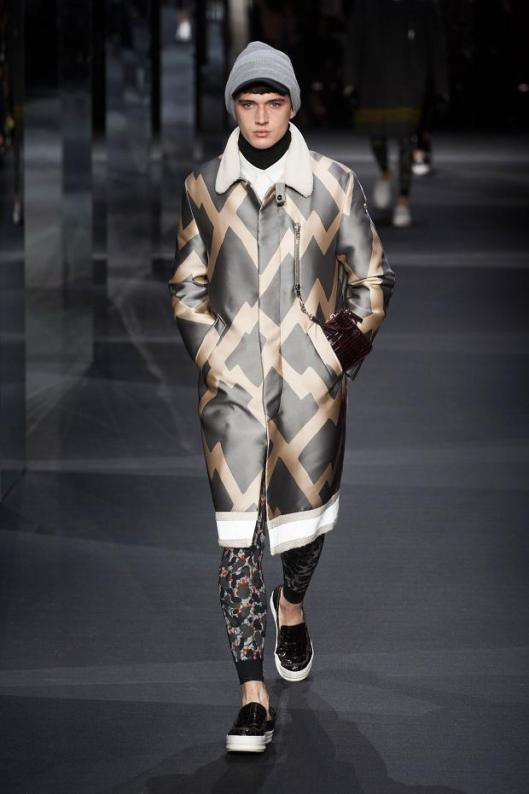 moncler-gamme-graphics_stripesrouge-autumn-fall-winter-2014-pfw9
