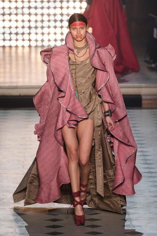 vivienne-westwood-autumn-fall-winter-2014-pfw40