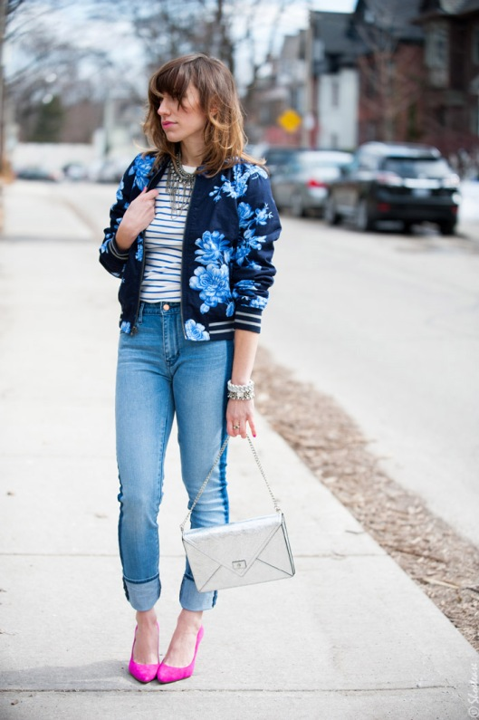 silver chain bag from shoe-tease.comToronto-Street-Style-Fashion-Gap-Blue-Flower-Bomber-Pink-Pointed-Pumps