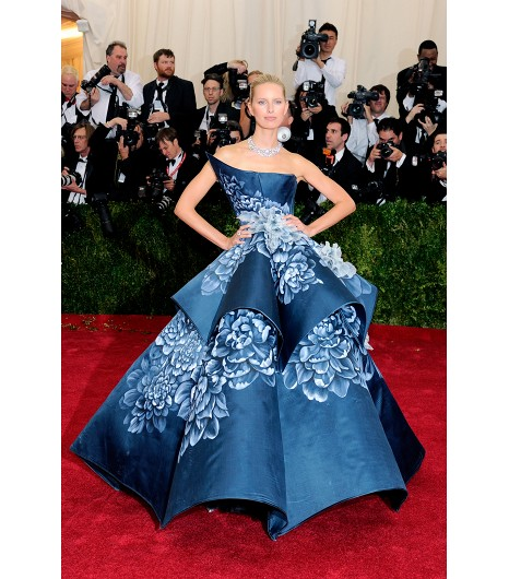 met ball charles james 2014 karolina kurkova marchesa satin organza flower detail