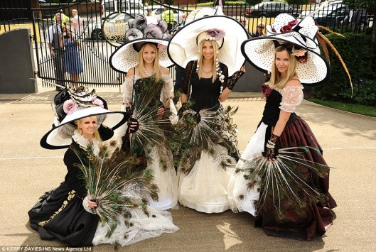 royal ascot dailymailarticle-2662351-1EECB9A100000578-144_964x647