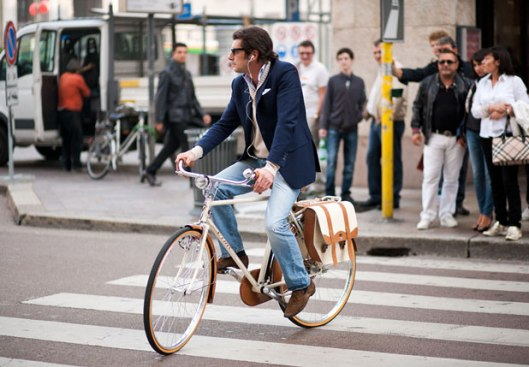 cycle fashion enzoclub.rumilano-man-riding-bicycle