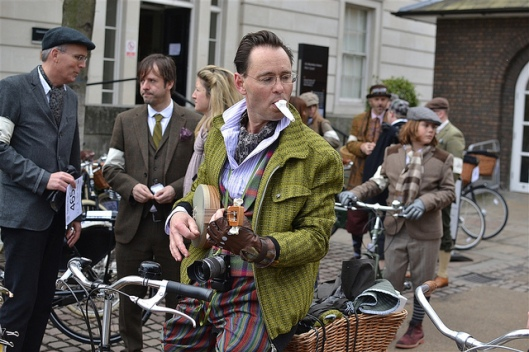 cycle fashion londonist. 2013tweed3