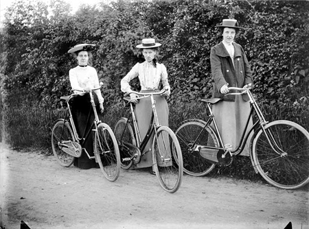 cyclefashion from heritage-explorer.co.uk2696_450
