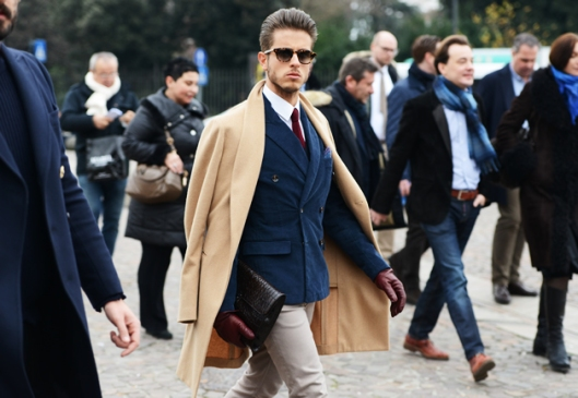 shoulder perch tt1389365656622_street-style-fall-winter-2014-pitti-uomo-3-07