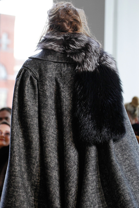 michael kors grey cape shape back_17G0701.450x675