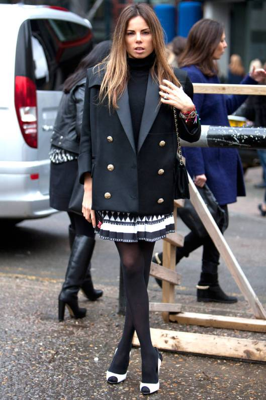 skirt suit double breast black gold buttons ellecom print skirt-12-lfw-fw-2014-street-style-day-five-v-xln