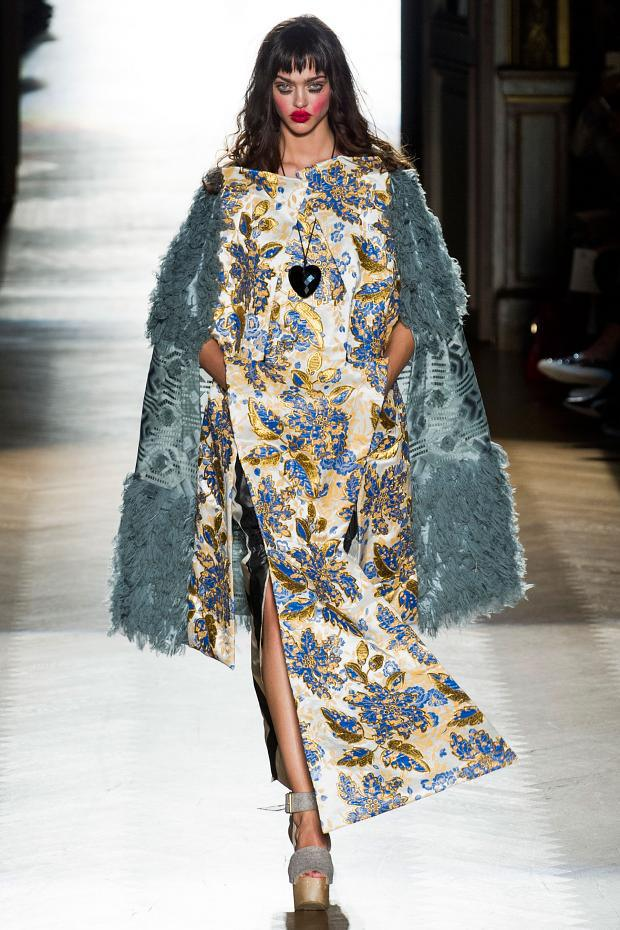 Vivat Regina Vivienne The Paris Fashion Week S S 2015