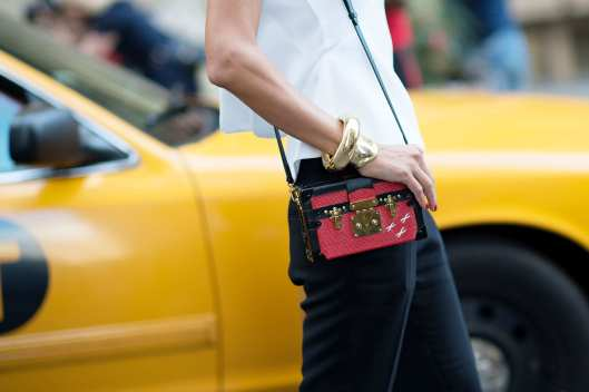 box bag photo from YoungJun Koostreet-style-01.nocrop.w1800.h1330.2x