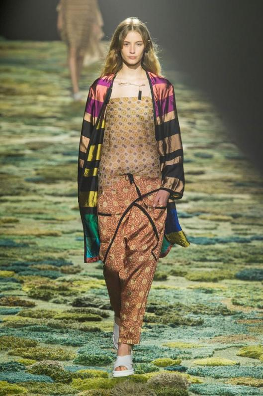 dries-van-noten-spring-summer-2015-pfw2