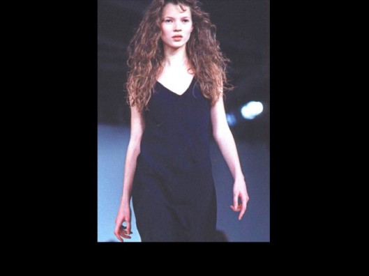 kate moss runway debut for galliano image form lifestylemirro.com 30 yrs LFW1_fash_models-first-show_2-4-14