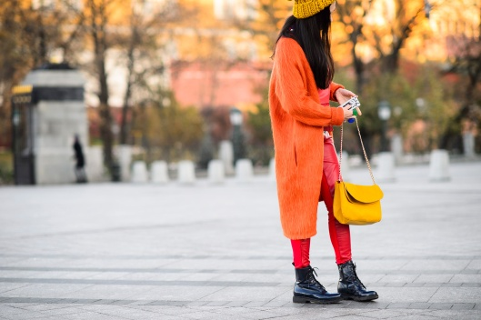 accessory, colour, orange hue ensemble, style.com 04-moscow-fashion-week-street-style_011
