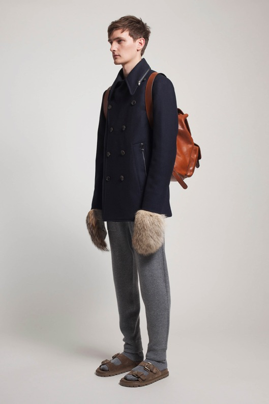 accessory, men, oversized mitts, a14 ,style com Michael_Kors_004_1366.1366x2048