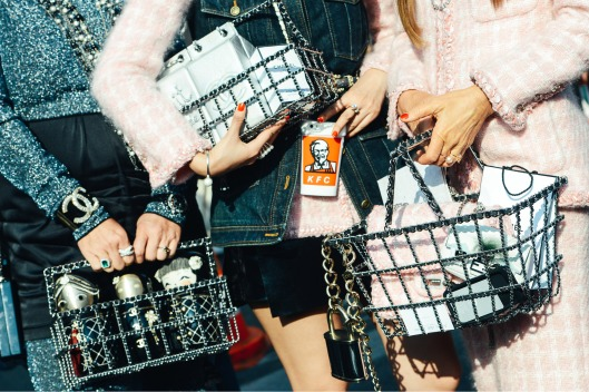 fun bags08_Tommy-Ton-Spring-2015-RTW_02