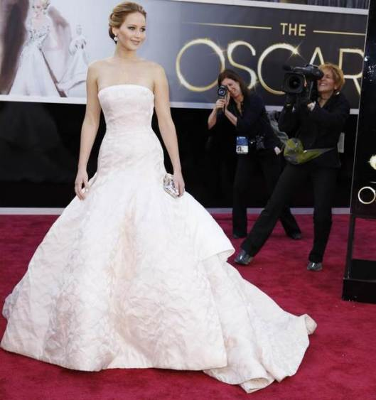 jennifer lawrence in oscar de la renta