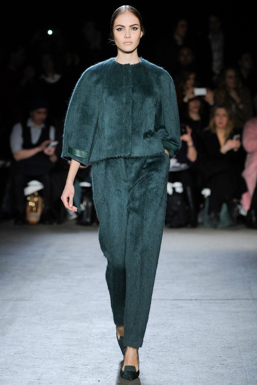 autumnal green, fuzzy top_trousers, siriano, stylecom_LKV7694.1366x2048