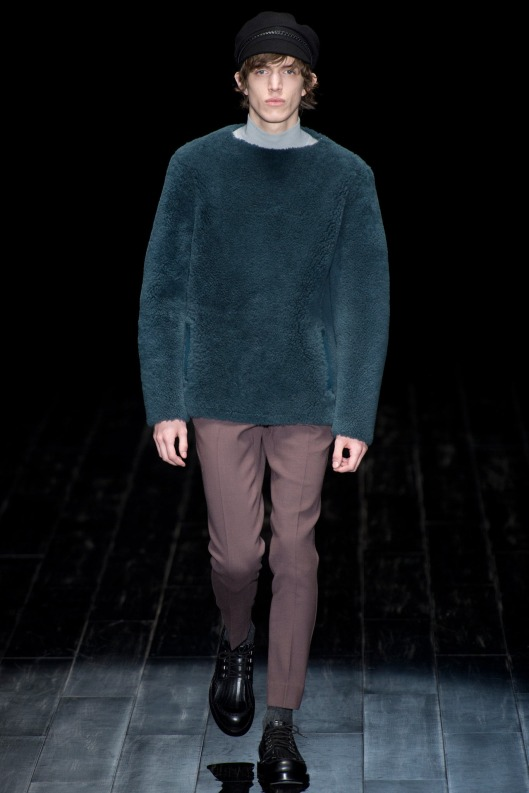 autumnal green, fuzzy sweater, men, Gucci GUC_0043.1366x2048