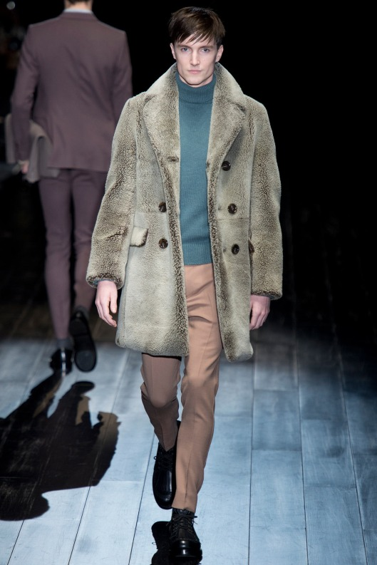 autumnal green, men,  roll top sweater, Gucci