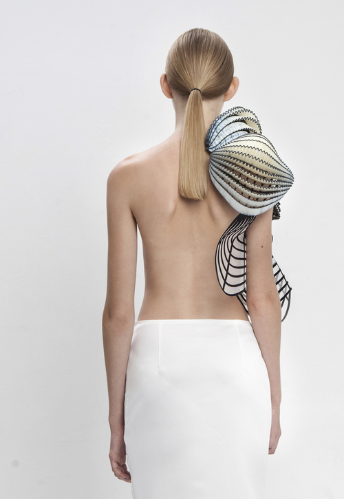 noa raviv, graduate collection, back view, single shoulderop