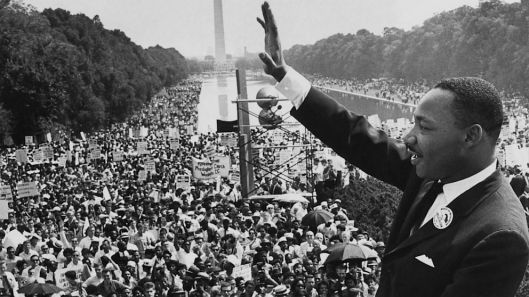 I have a dream speech, MLK acknowledges the crowd