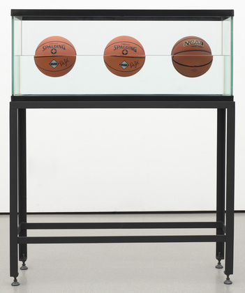 jeff koons, three basketballs