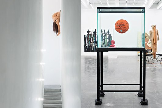 jeff koons, equilibrium series, one ball total