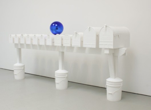 jeff koons, sculpture, plaster, bluee ball