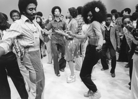 soul train dancers, on the dance floor