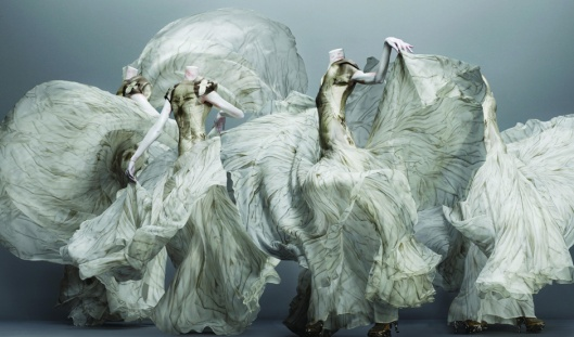 alexander mcqueen, savage beauty, images, met