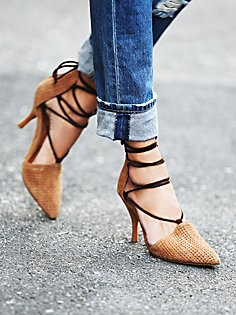 shoes, s15, pointed, basket weave, heel, contrast lace.shoe hue, jeffrey campbell for free people.com 34744920_020_0