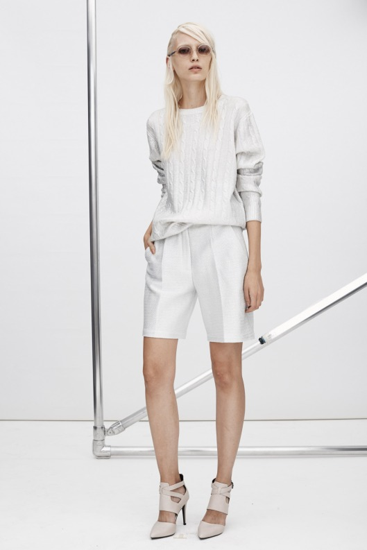 summer whites, ladies, zoe jordan, walking shorts