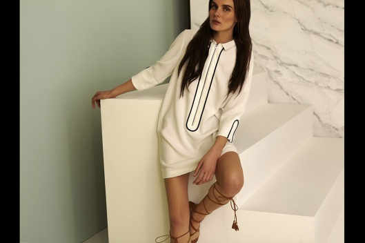 sfera, s15, vogue.es, white dress, black details_primavera_verano_2015_203328903_1200x