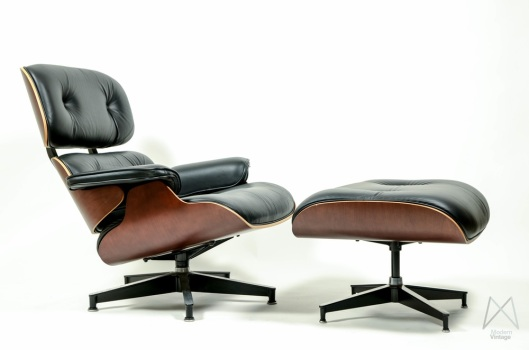 charles and ray Eames_Lounge_Ottoman_modernvintage.nl