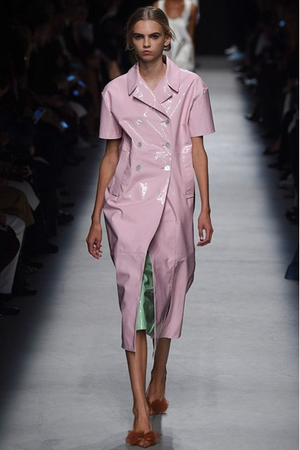 pfw, spring 2016,rochas, pink patent leather, short sleeve, overcoat