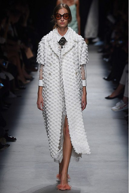 pfw, spring 2016, rochas, white overcoat, sheer sleeves, poplin fabrication
