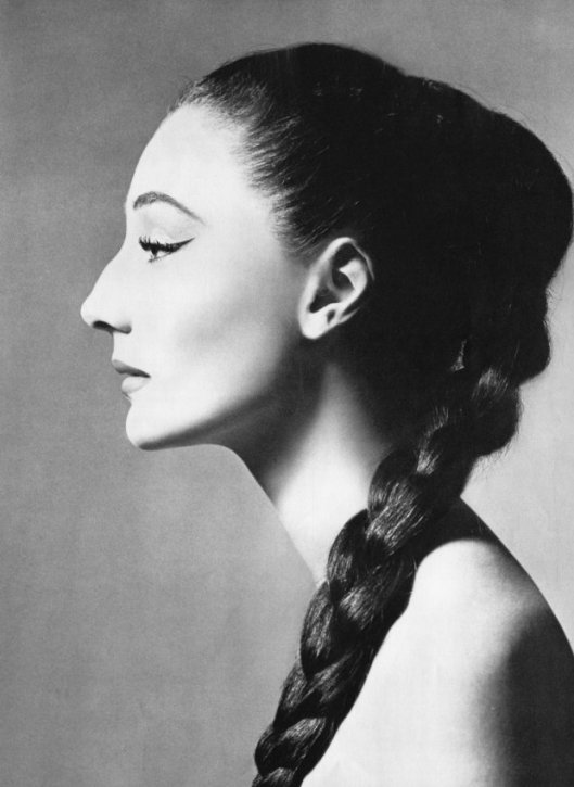 countess, jacqueline de ribes, portrait by richard avedon,