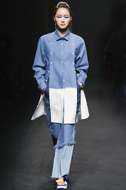 denim wear, tiered, rough edge, ombre effect, ladies, korea, rocket