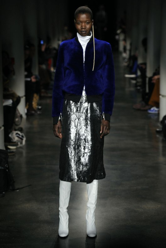 lutz_huelle_aw15, metallic leather, silver skirt, lutzhuelle.com _03