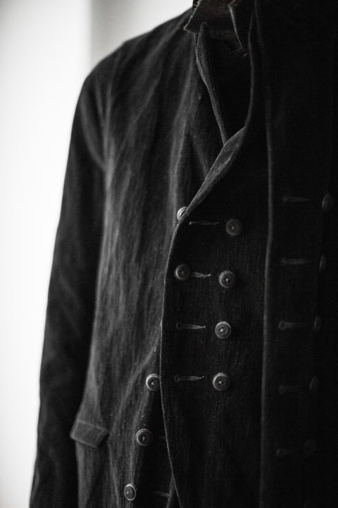 ziggy chen, menswear, a14, long overcoat, front, button detail saltandvinegarmag.com salt_and_vinegar_mag_mc-20140113-42617