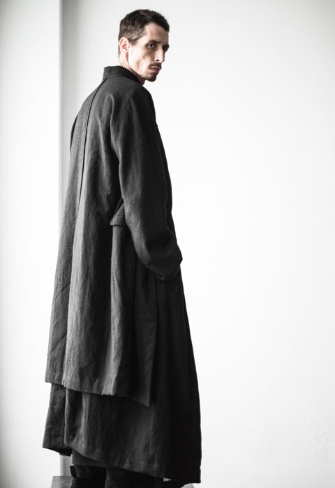 ziggy chen, menswear, a15, long overcoat, side, saltandvinegarmag.com salt_and_vinegar_mag_mc-20140113-42616-480x700