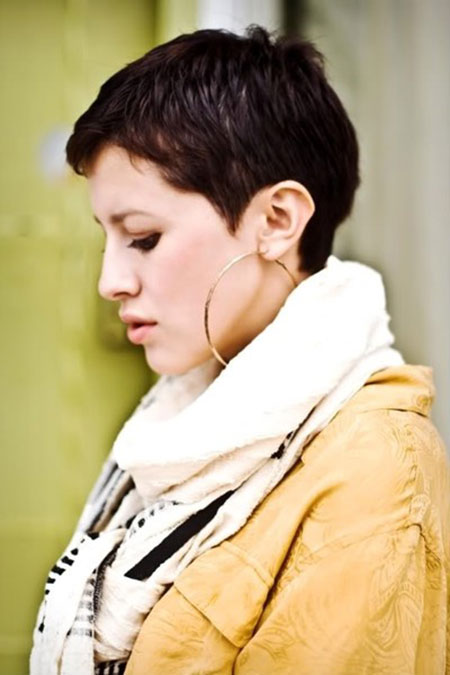 hair fashion, pixie, hoop ear ring, hairstyle-pics.com