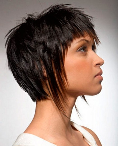 hair fashion, short, asymmetric all round, special-hairstyles.com short-layered-asymmetrical-haircut-2016-500x620