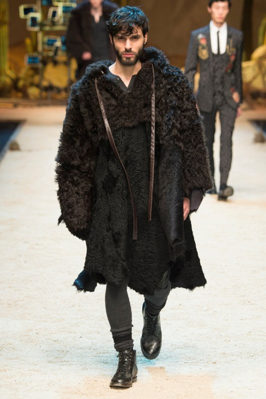 dolce & gabbana, men f 2016, buffalo coats, vogue.co.uk