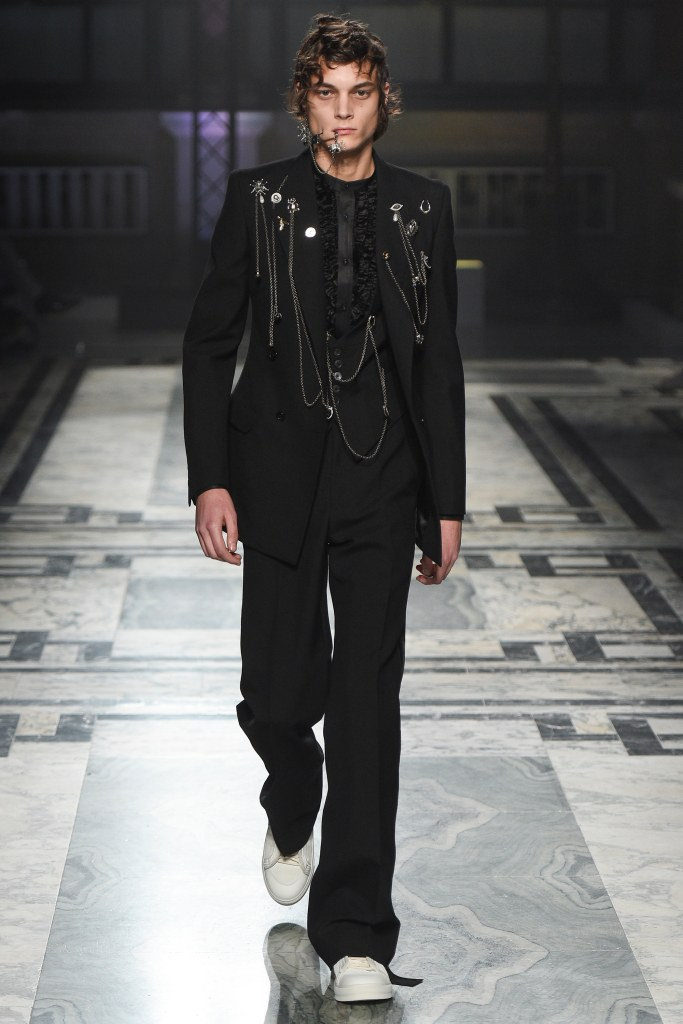 LCM, alexander mcqueen, all in chains, voguecom