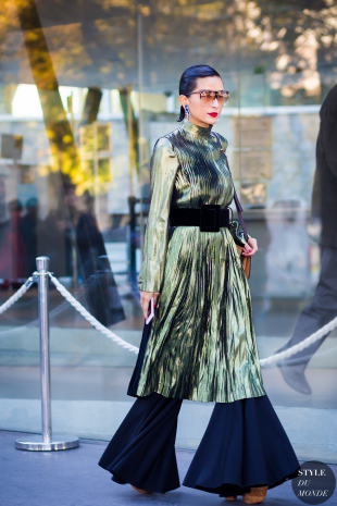 metallic, pleated dress, over wide leg trousers, from Loewe, image from styledumondecom