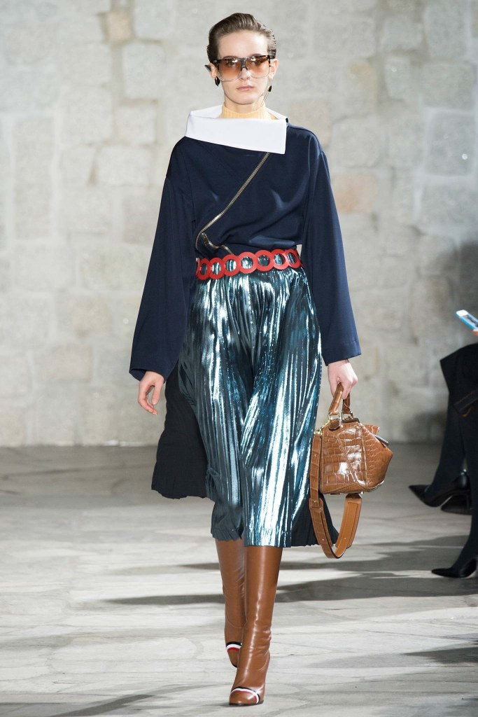 metallics, skirt, pleated, loewe, fall 2015 027-loewe