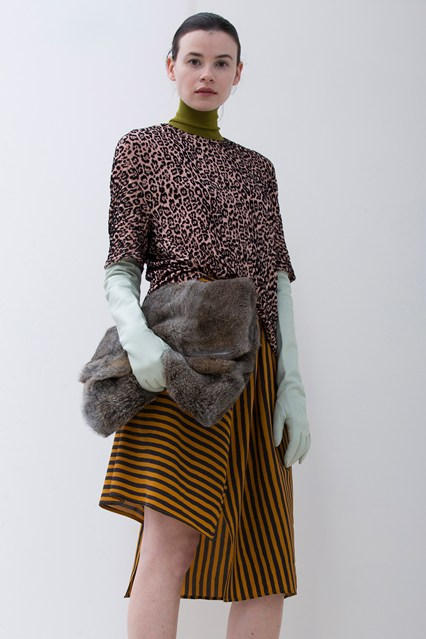 accessories, how to, gloves, fur clutch, christian wijnants, vogue