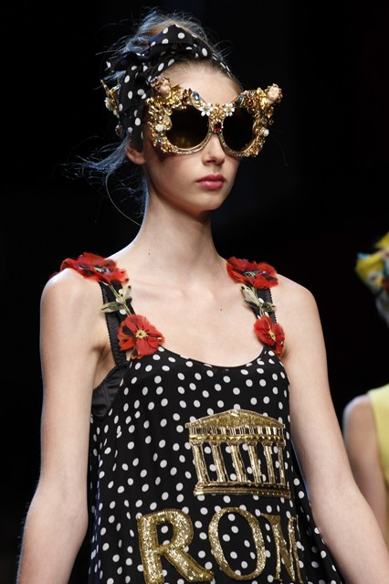 accessories, how to, large ornate sunnies, dolce and gabbana