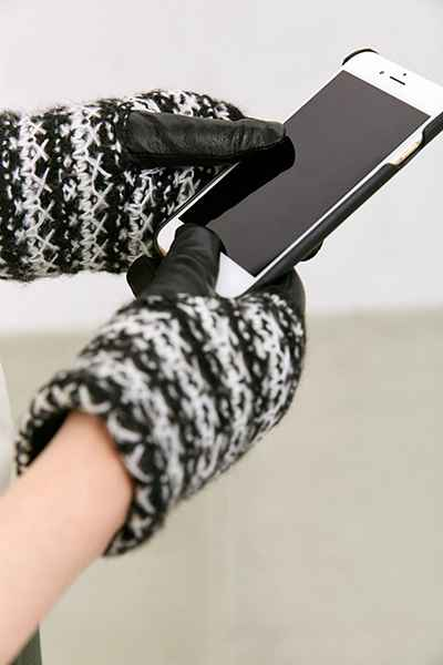 accessories, how to,texting gloves,  leather gloves with touchscreen-compatible index fingers, urbanoutfitters