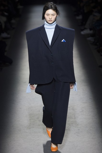 pfw, a16, jacquemus, of exaggerted proportions, trouser suit